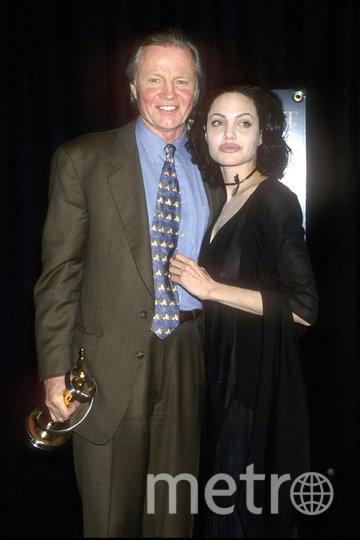 Анджелина Джоли с отцом Джоном Войтом. Фото Getty