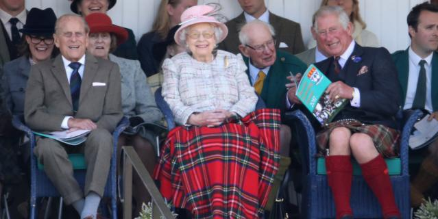 Филипп, герцог Эдинбургский, Королева Елизавета II и Чарльз, принц Уэльский.