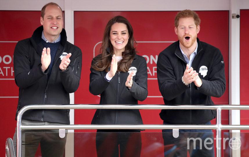 Кэти Николл утверждает, что принц Уильям и Кейт Миддлтон особенно скучают по принцу Гарри. Фото Getty