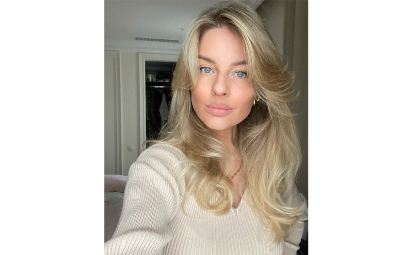 Более естественные оттенки блондина – тёплые, медовые. Фото instagram.com/veronika14