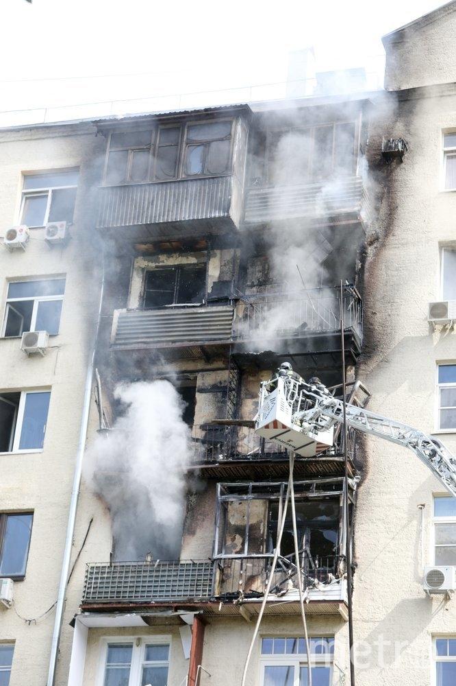 """Площадь пожара составила около 80 кв. метров. Фото АГН """"Москва""""/Андрей Никеричев"""