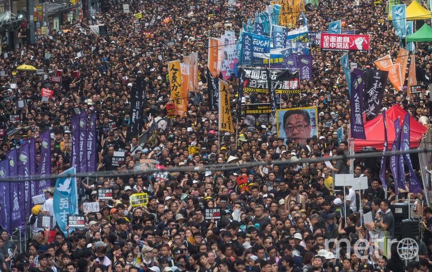 В акциях протеста приняло участие почти всё население города. Фото Getty