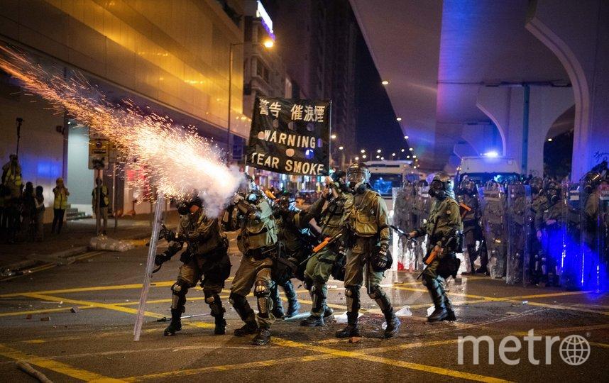 Во время протестов полиция неоднократно применяла слезоточивый газ. Фото Getty