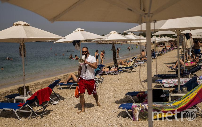 В Греции открылись более 500 пляжей. Фото AFP