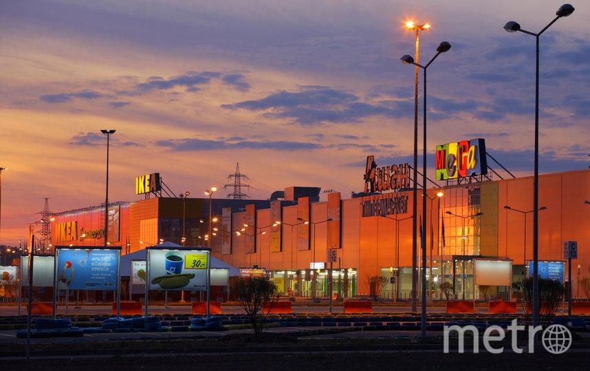 с 17 мая 2020 года в МЕГЕ Дыбенко и МЕГЕ Парнас будут открыты только магазины, деятельность которых разрешена новым постановлением. Фото Интерпресс