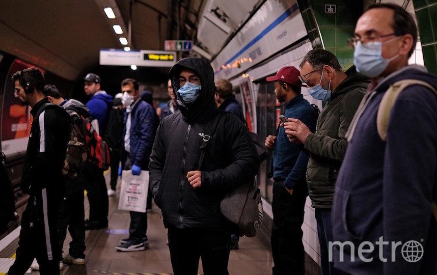 В лондонском метро снова много людей. Фото AFP
