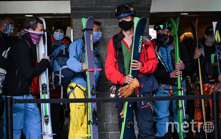 Лыжники во французском Шамони. Фото AFP