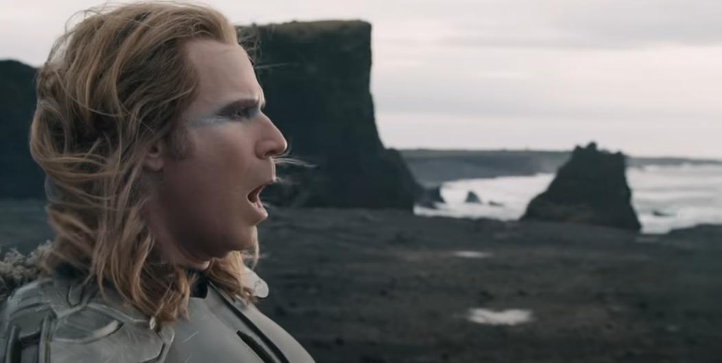 Уилл Ферелл в роли Человека-вулкана. Фото Netflix, Скриншот Youtube