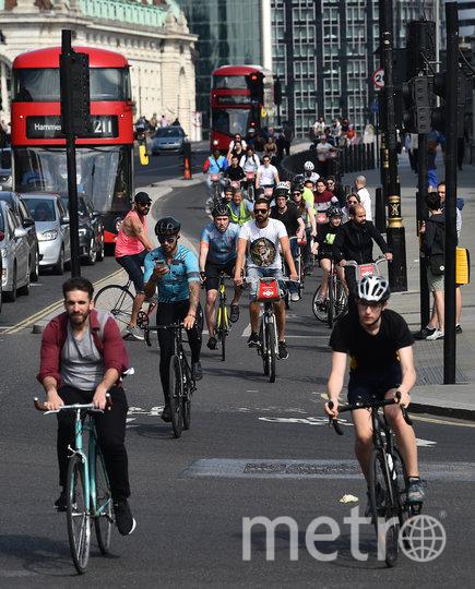 Толпы велосипедистов на улицах Лондона. Фото AFP