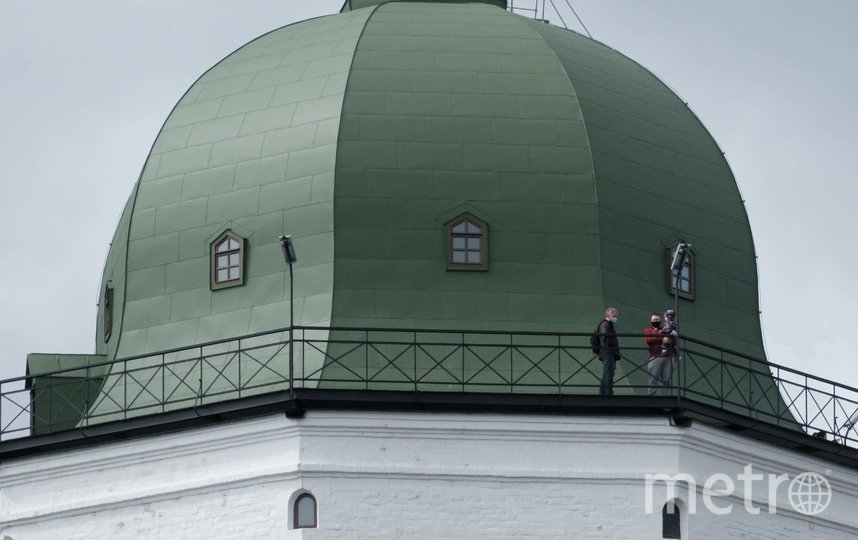 "На смотровую площадку башни за один раз поднимаются не более пяти человек. Фото Алена Бобрович, ""Metro"""