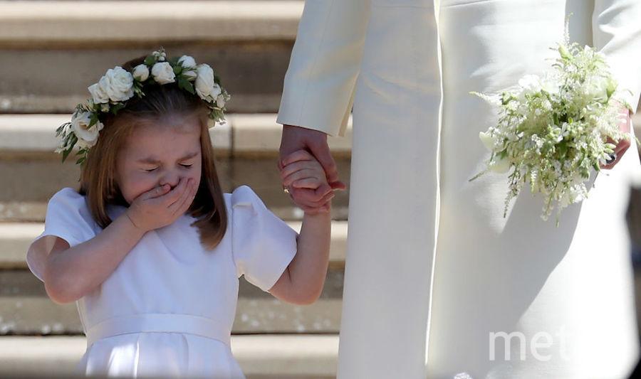 Многие умилялись не только виду влюблённых, но и милым фотографиям, на которых принцесса Шарлотта чихает. Фото Getty