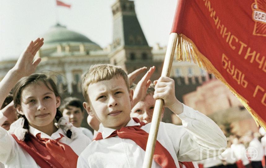 Metro попросило россиян разных поколений вспомнить истории, связанные с пионерским движением. Фото РИА Новости