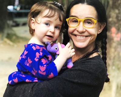 Луселия с внучкой Каролиной.