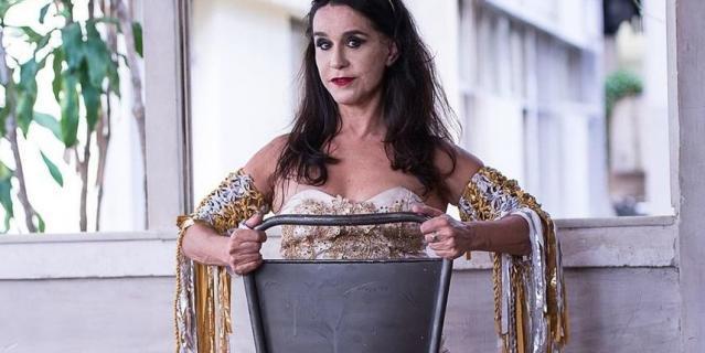 Луселия Сантус.