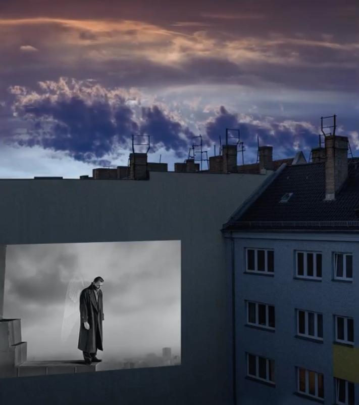 Отправить заявку на показ фильма на стене дома может любой желающий. Фото Instagram @windowflicks