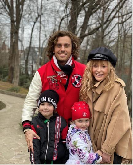 Пугачёва и Галкин с детьми. Фото Instagram @maxgalkinru