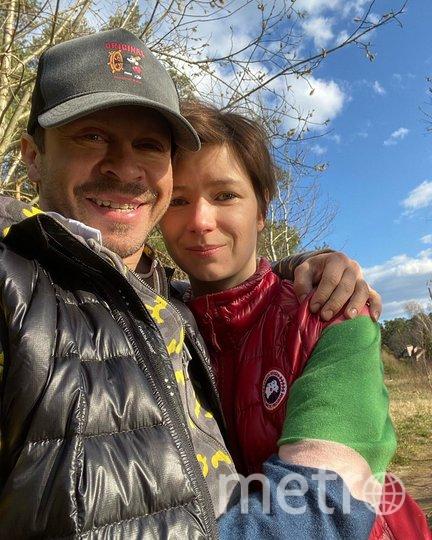 Павел Деревянко с гражданской женой. Фото instagram.com/pablo_derevyanko.