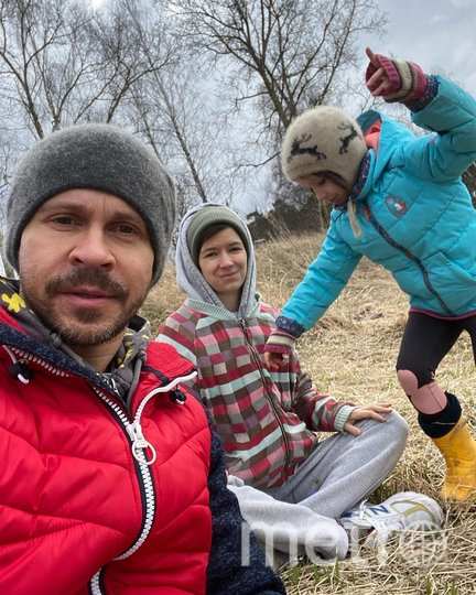 Павел с женой и дочкой Сашей. Фото instagram.com/pablo_derevyanko.