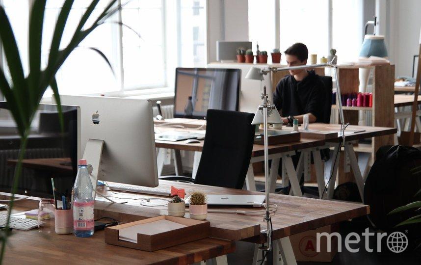 """В офисах запретят размещать личные вещи на рабочих столах. Фото ISTOCK, """"Metro"""""""