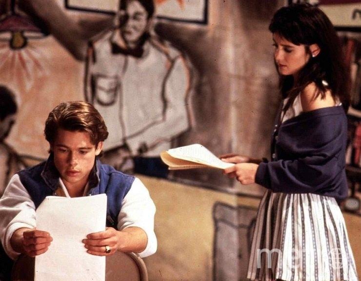 """Брэд Питт и Джилл Шолен. Фото Кадр из фильма """"Сокращая класс""""."""