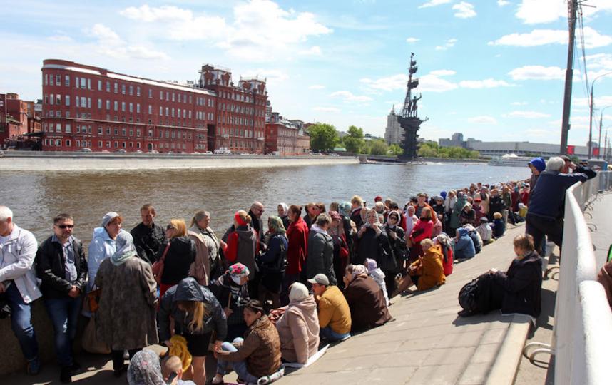 Верующие в очереди к мощам Николая Чудотворца в Москве в 2017 году. Фото Василий Кузьмичёнок