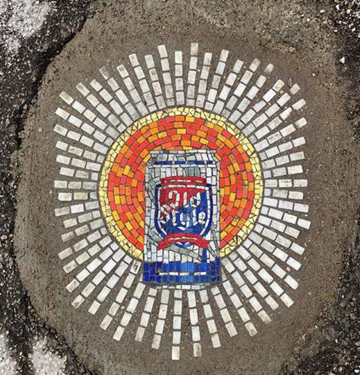 """Американский стрит-арт художник Джим Бахор также решил внести свой вклад в коронавирусное искусство с помощью проекта """"Святая Троица"""". Фото скриншот instagram @jimbachor"""