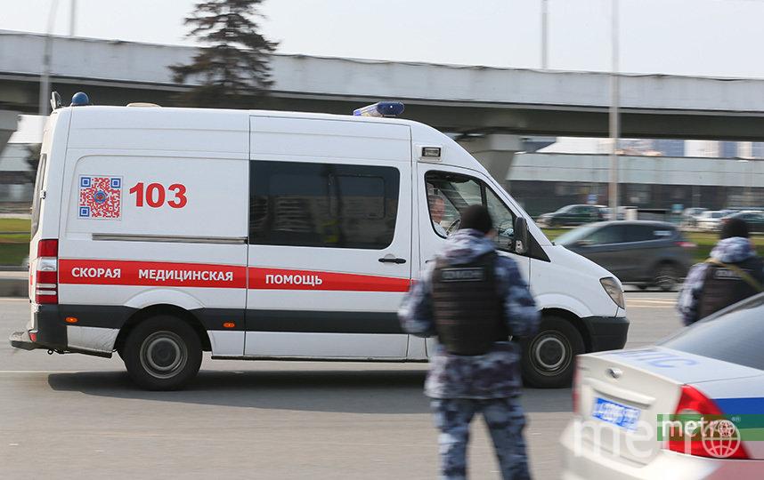 В результате столкновения двух грузовиков на МКАД погиб один человек. Фото Василий Кузьмичёнок