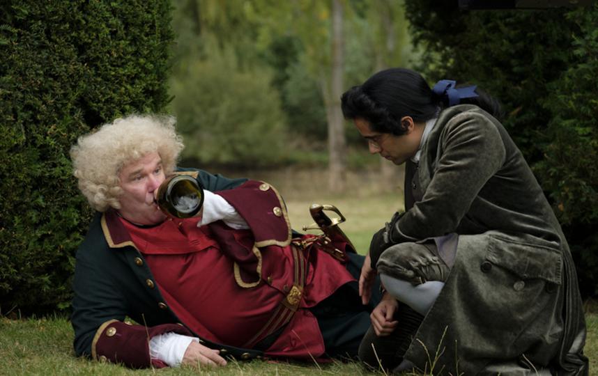 Русские в сериале показаны пьяницами. Фото кадр из сериала
