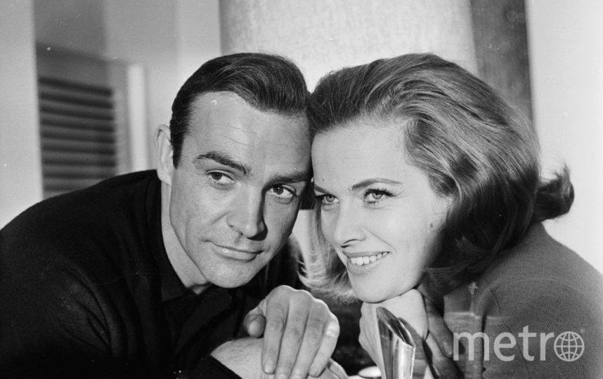 """Онор Блэкман сыграла с Шоном Коннери в """"Голдфингере"""" в 1964 году. Фото Getty"""