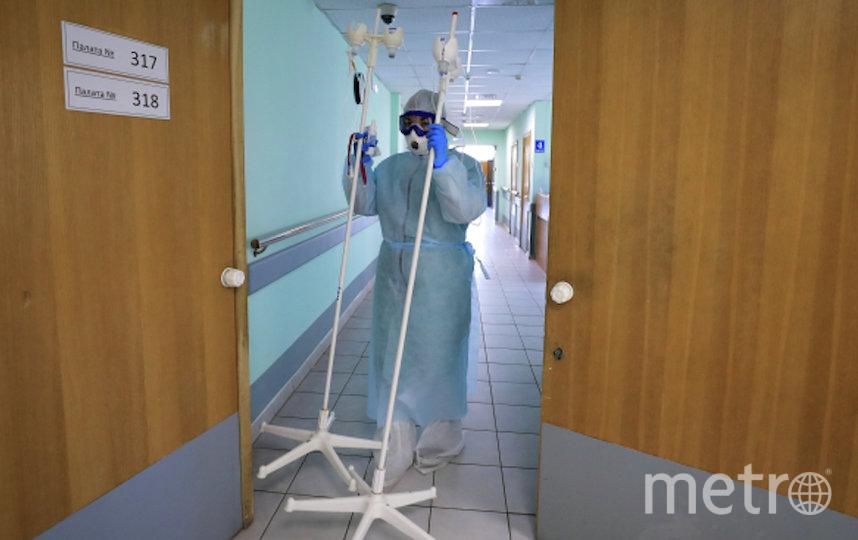 При госпитализации в стационар больному обеспечат полный комплекс диагностических исследований на коронавирусную инфекцию. Фото РИА Новости