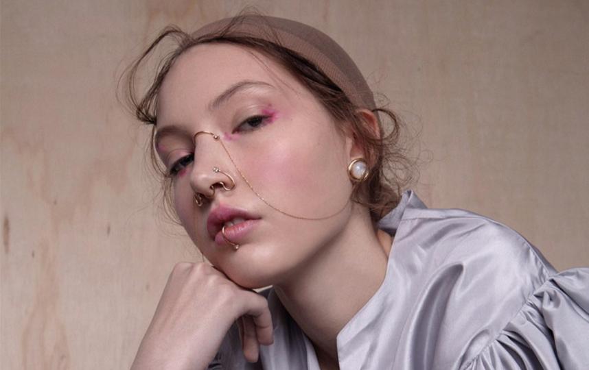 Украшения в этом сезоне выходят на первый план модного образа. Фото instagram.com/joanne_t_jewellery