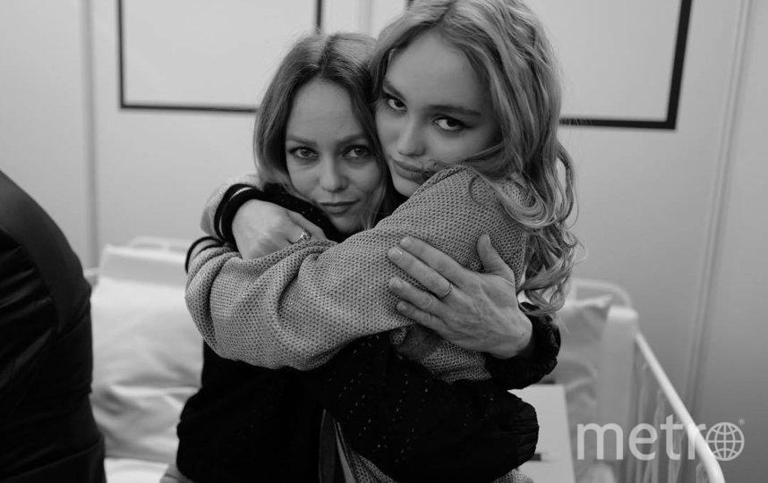 Ванесса Паради и Лили-Роуз Депп. Фото instagram.com/lilyrose_depp.