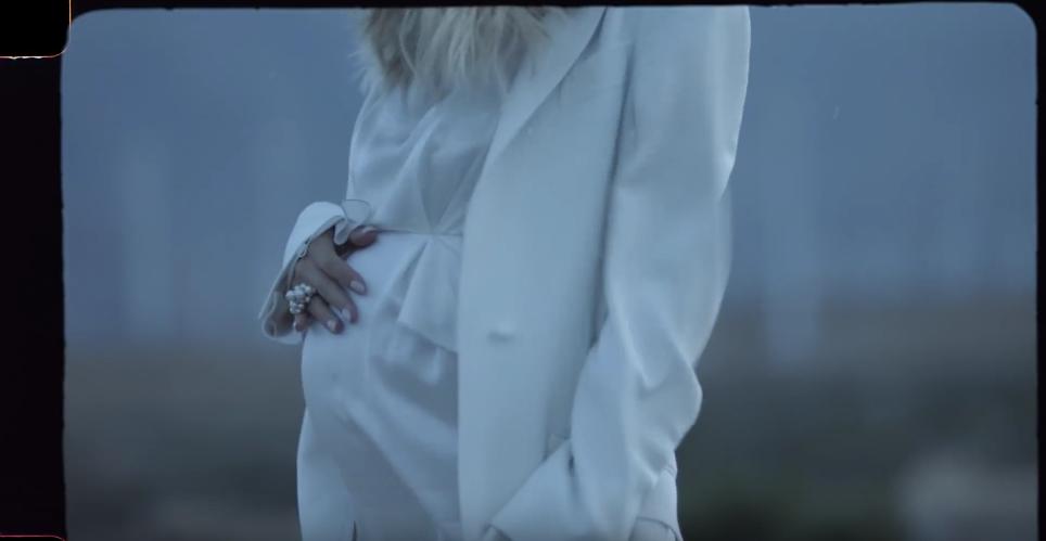 """Кадр из клипа Светланы Лободы на песню """"Мой"""". Фото Скриншот Youtube"""