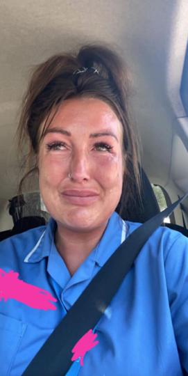 Кимберли Симпсон расплакалась после конфликта. Фото facebook.com/kymberley.whitebrook