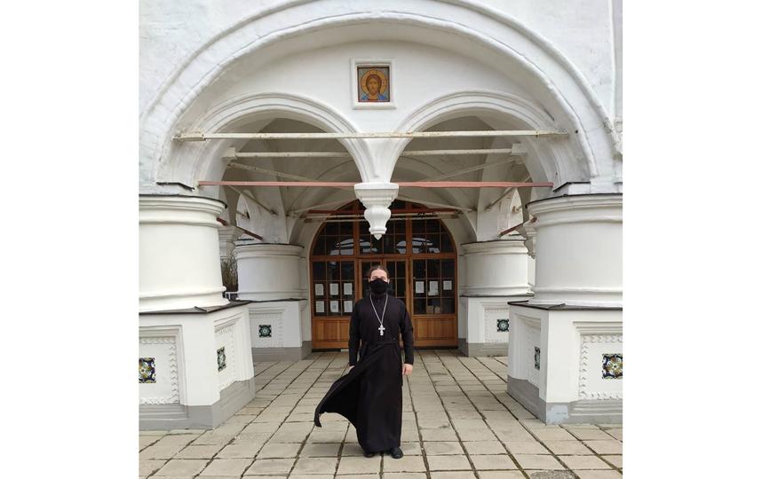 Cвященник Александр Насибулин, настоятель храма Рождества Пресвятой Богородицы в Поярково. Фото instagram.com/pastor_bonus