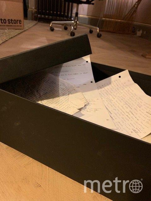 """Рукопись """"Икабога"""" более 10 лет лежала в коробке на чердаке. Фото Twitter @jk_rowling"""