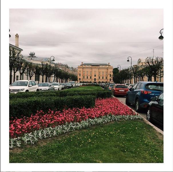 """Кленовая улица - место силы для Смолкина. Фото https://www.instagram.com/ivanovavalenty/, """"Metro"""""""