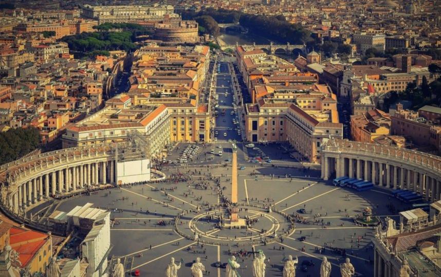 Музеи Ватикана посещают туристы, увлечённые культурой. Фото Getty