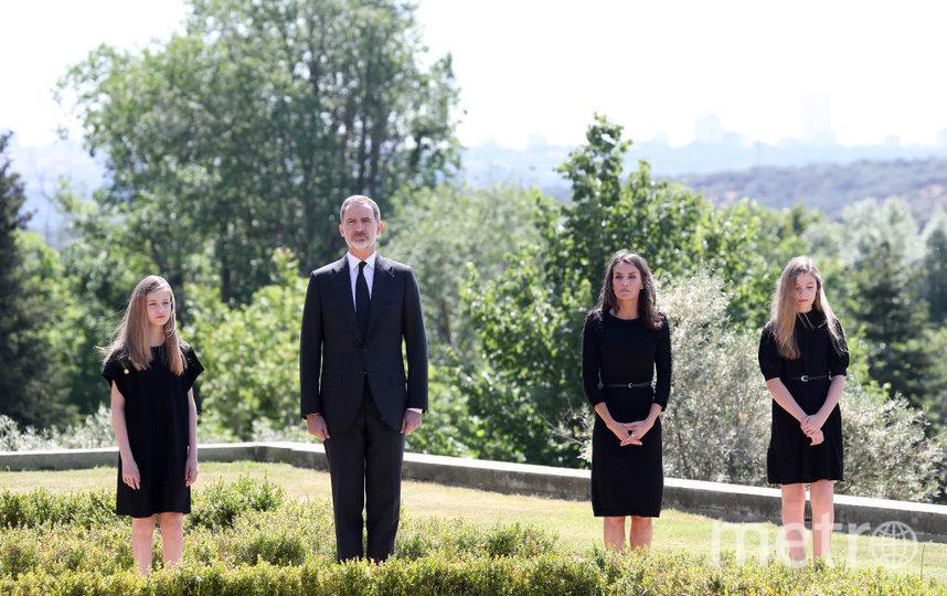 Король Испании Фелипе VI, его супруга Летисия и дочери – наследная принцесса Леонор и инфанта София. Фото Getty
