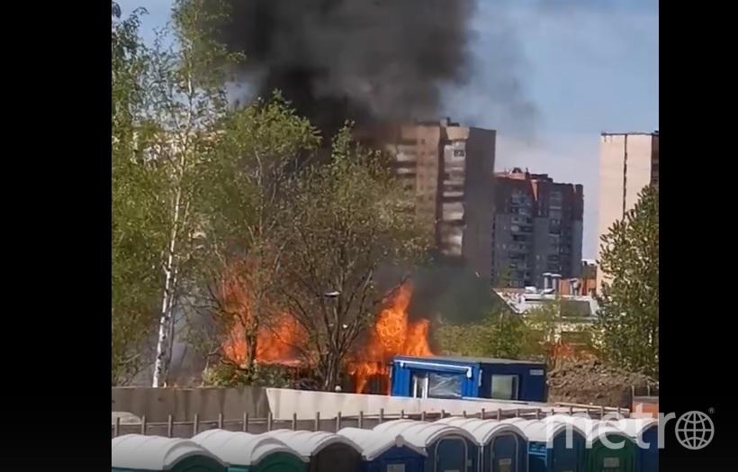 Пожар на Космонавтов. Фото ДТП и ЧП / Санкт-Петербург /vk.com/spb_today, vk.com
