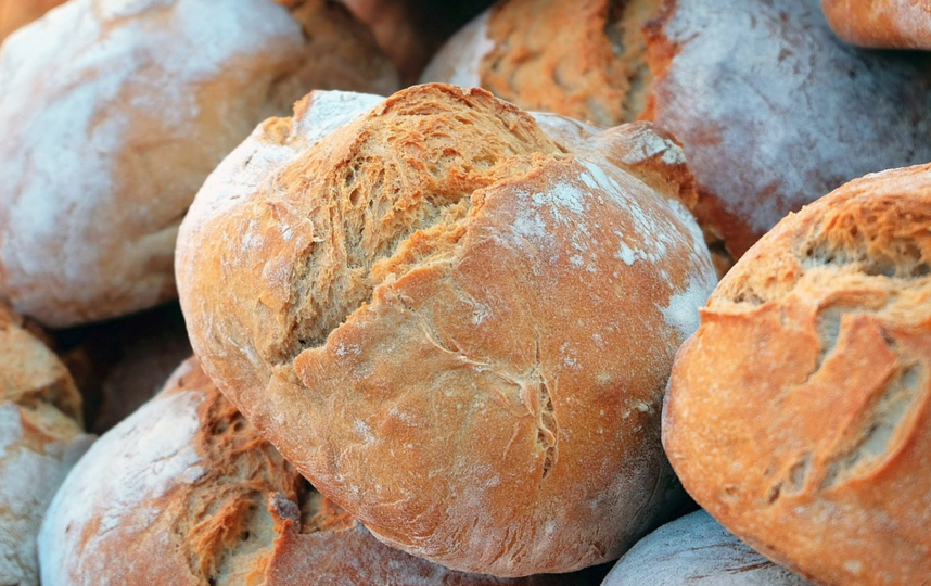 Употребление заплесневелой пищи может вызвать аллергические реакции и проблемы с дыханием. Фото Pixabay