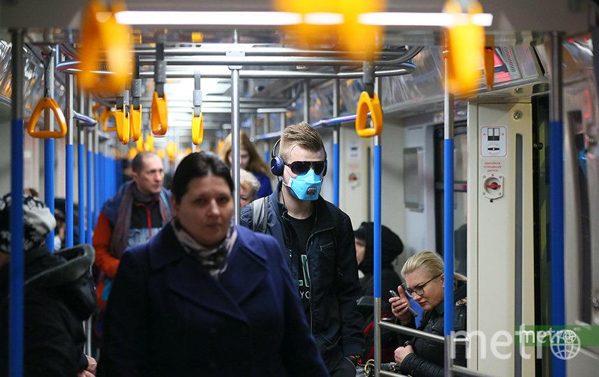 В период пандемии люди продолжают массово ходить на улицы. Фото Василий Кузьмичёнок