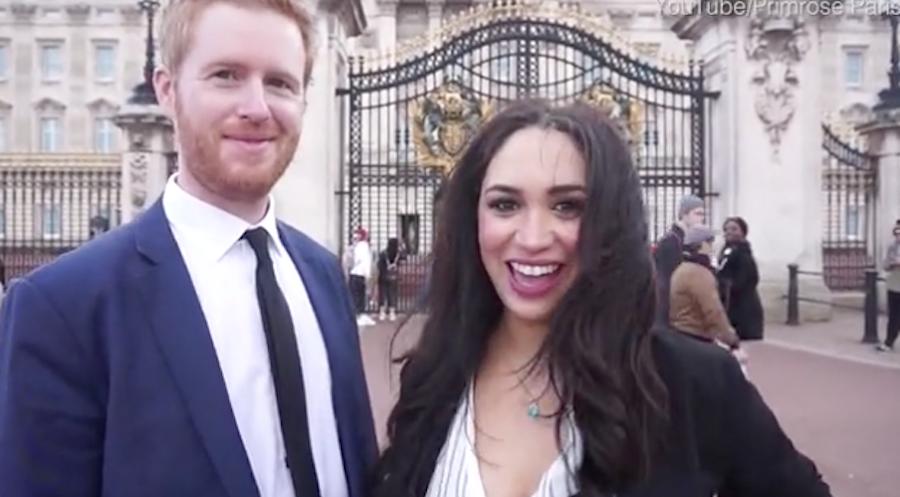 Кристина Примроуз Матис и двойник Гарри у Букингемского дворца. Фото скриншот с видео
