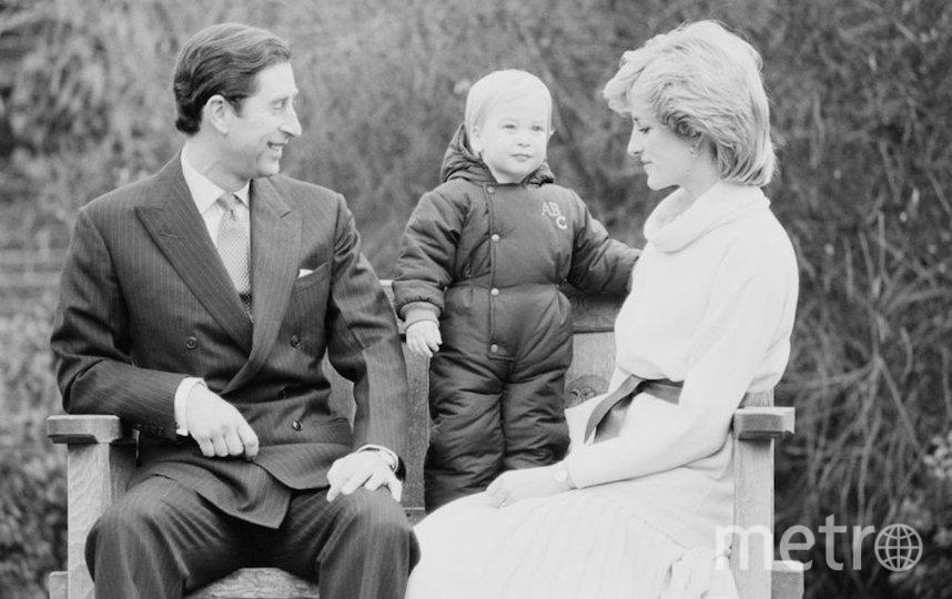 Маленький принц Уильям с родителями прицем Чарльзом и принцессой Дианой. Фото Getty