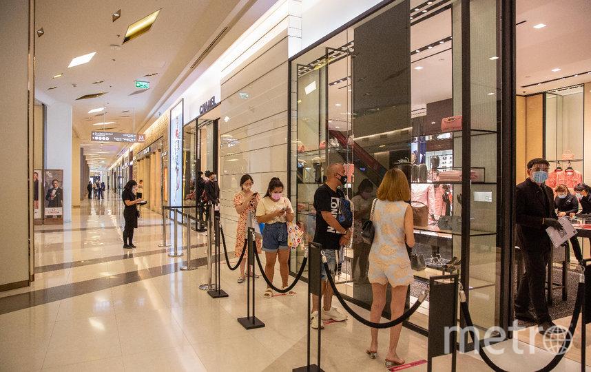 Продавцам и покупателям необходимо соблюдать дистанцию в 1,5 метра. Фото Getty