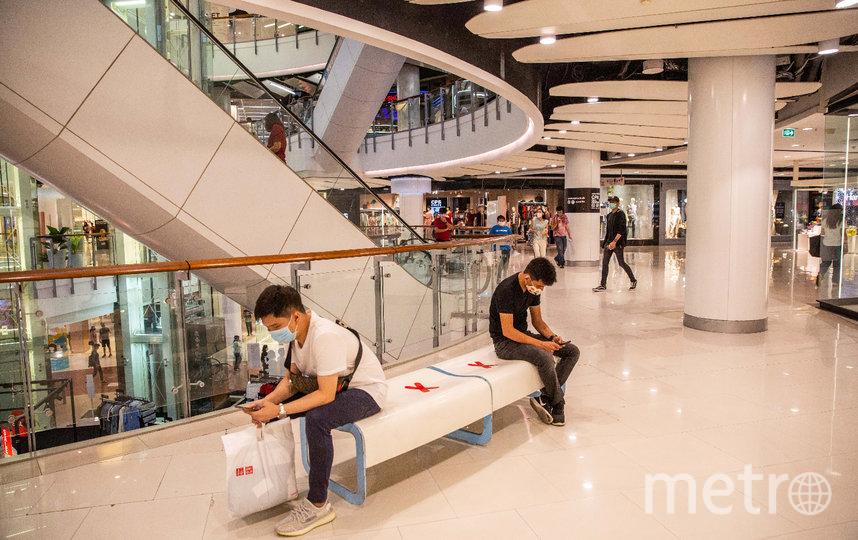 Откроются не только отдельные магазины, но и крупные торговые центры. Фото Getty