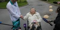 85-летнюю петербурженку выписали из больницы после перенесённого коронавируса