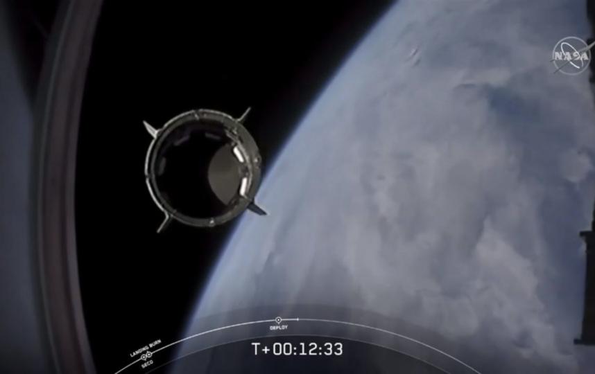 Ракета-носитель Falcon 9 компании SpaceX стартовала 30 мая в 22:22 мск с космодрома Космического центра имени Джона Кеннеди во Флориде. Фото AFP