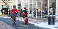 Протестующие в США громят бутики и крадут модные сумки: фото и видео