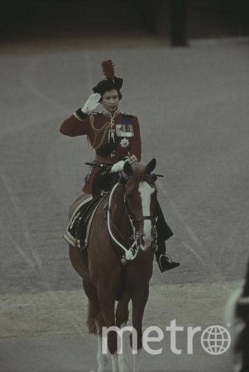 Королева Елизавета II в молодости верхом на лошади. Фото Getty